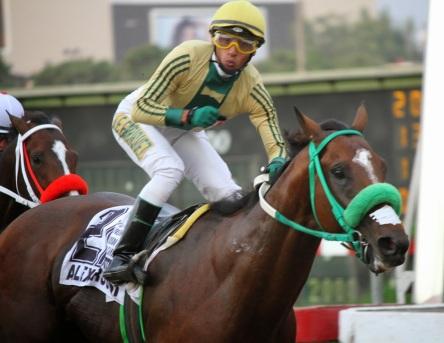 Alex Rossi (ARG) es ganador del Clasico Alfredo Benavides Foto Cortesía de: De Turfe Um Pouco