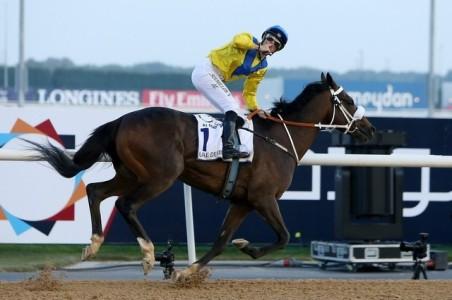 Mubtaahij (IRE) ganando el UAE Derby Foto Cortesia de Pawan Singh / The National