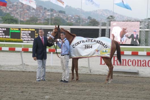 Don Carlos R. (PUR) ganando la Copa Confraternidad 2014. Foto Cortesía de Hipicomputo2000