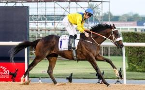 Mubtaahij (IRE) ganando el UAE Derby en Meydan Foto Cortesia de Thoroughbred News